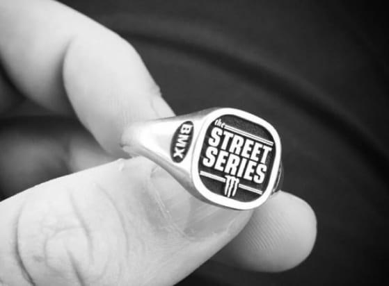Street series ring